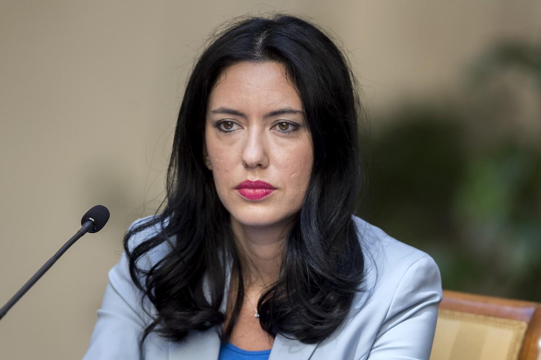cartabianca,-terribile-gaffe-dell'ex-ministro-azzolina,-paolo-mieli-e-bianca-berlinguer-la-correggono