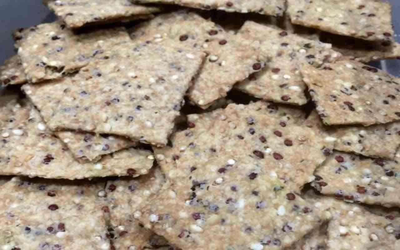 crackers-di-quinoa- -con-il-bimby,-saranno-pronti-immediatamente