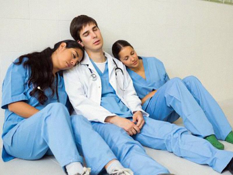 rischio-di-burn-out-per-gli-operatori-sanitari-giuliano-(ugl-salute):-«nostre-richieste-inascoltate-intervenire-subito-al-loro-fianco».