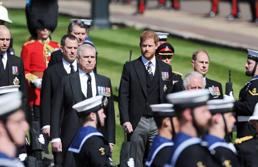 """membro-della-royal-family:-""""meglio-stare-fuori-dai-drammi-di-harry-e-meghan,-e-molto-piu-sicuro"""""""