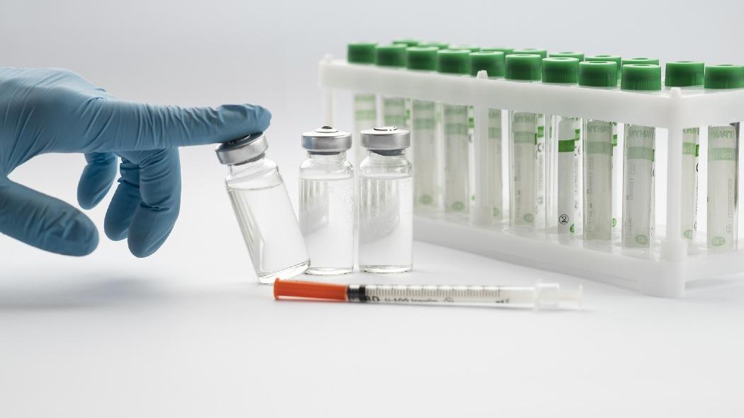 l'italia-si-prepara-a-dare-una-terza-dose-con-il-vaccino-pfizer-a-operatori-sanitari-e-persone-fragili