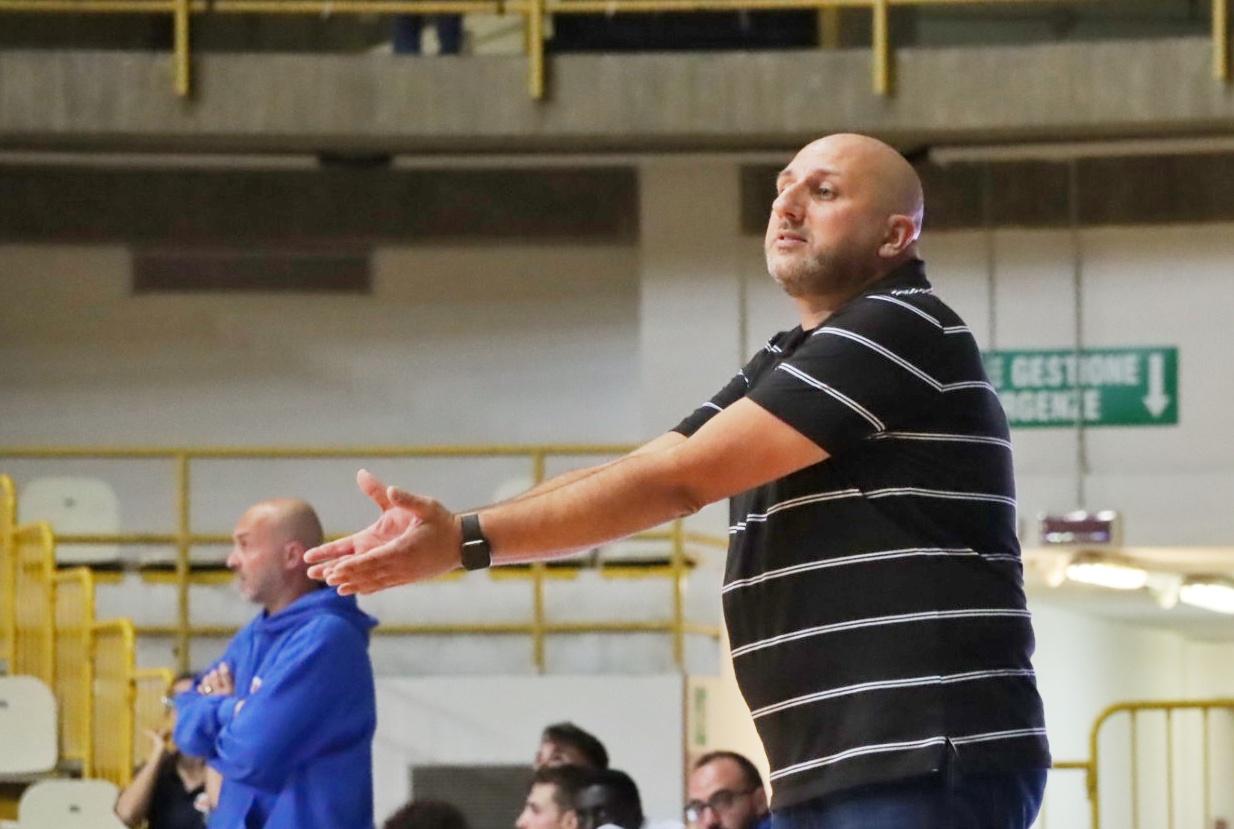 """Pallacanestro Viola Pozzuoli, coach Bolignano non cerca scuse: """"il nervosismo è stato un handicap, siamo stati un po' polli"""""""