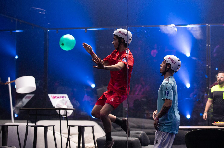 Cos'è il campionato di palloncino (e come è diventato virale)