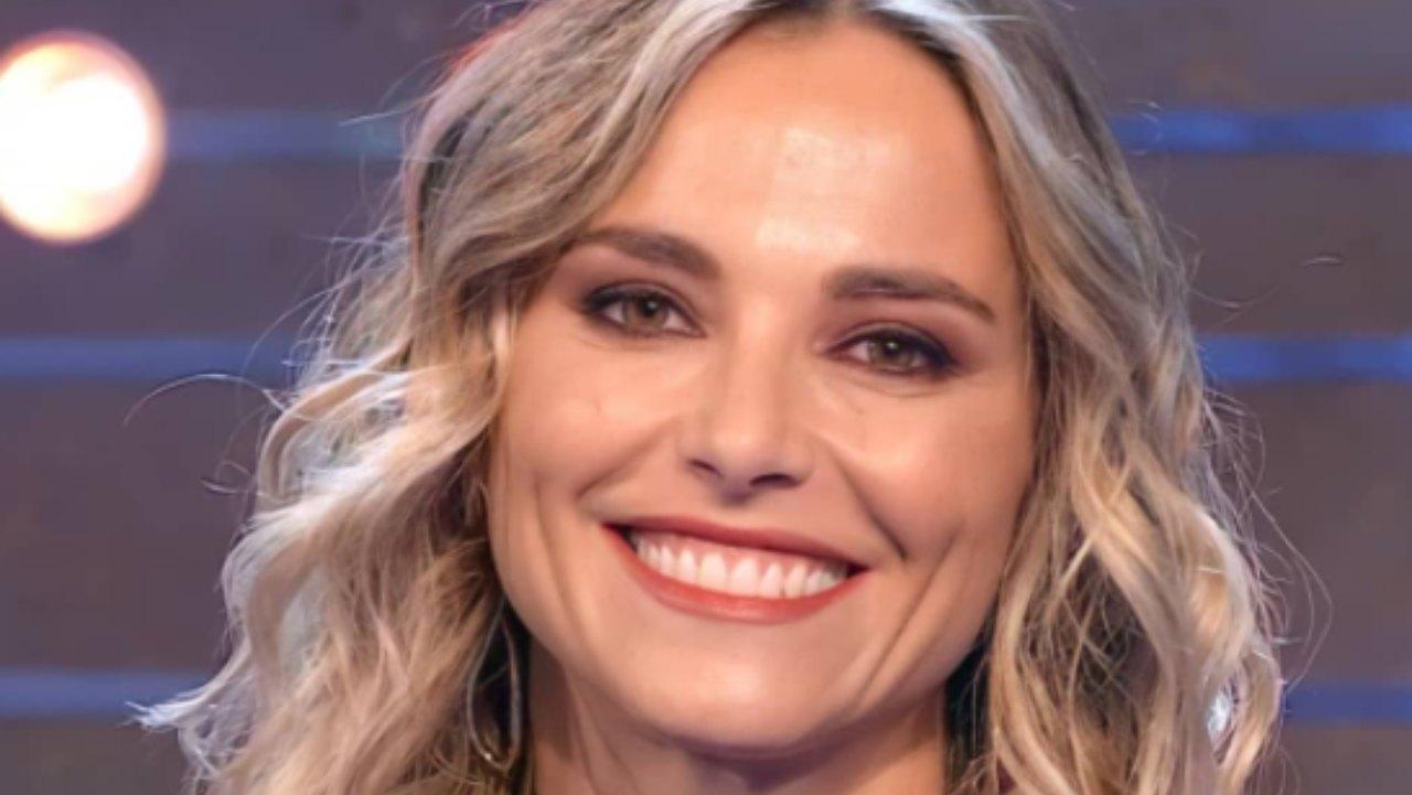 Francesca Fialdini, una voce spettacolare: i fan la vogliono a Sanremo! Il VIDEO inedito