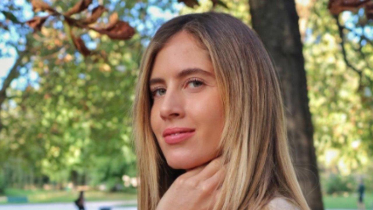 Francesca Ferragni ancora in clima estate: il costume non copre i punti giusti – FOTO