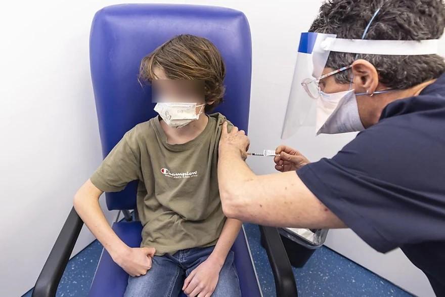 Vaccini: comitato FDA approva Pfizer per bambini 5 11 anni