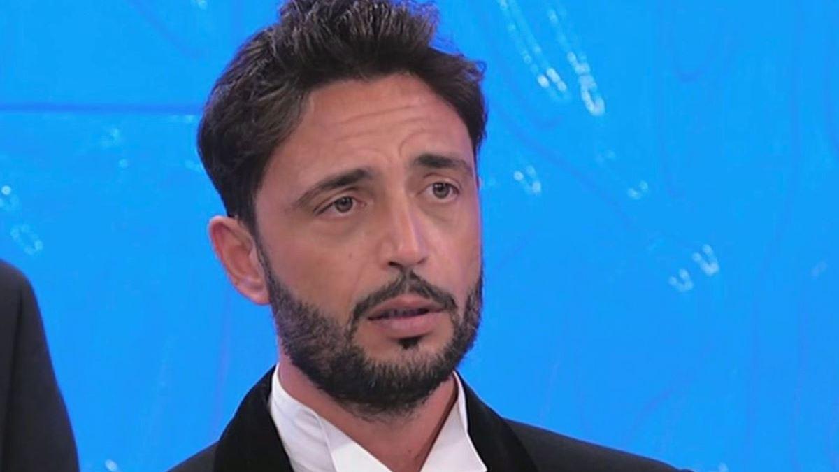 """Bufera Uomini e Donne, La dama smaschera Armando: """"Ecco che ruolo ha insieme a Gemma. Maria organizza tutto"""" Fan furiosi"""